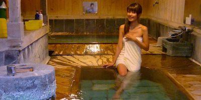 群馬県沢渡温泉「まるほん旅館」と中之条やきそば「うめ松」