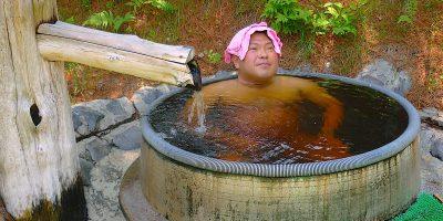 北海道阿寒郡鶴居村温泉「ホテルTAITO」と草原のファームレストラン「ハートンツリー」のミルクカリー